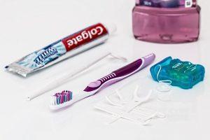 Dentifrice, brosse à dents, fil dentaire
